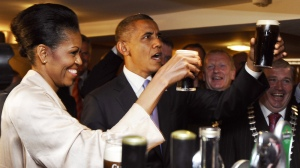 US President Barack Obama (2ndL) and Fir